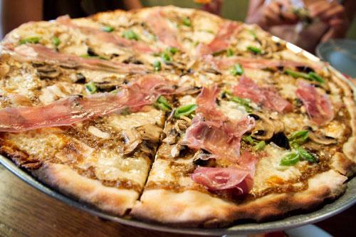 20110720-rubirosa-pizza-mushroom