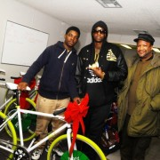 2 Chainz, Munson Steed, and Rollingout&#8217;s Christmas Bike Giveaway